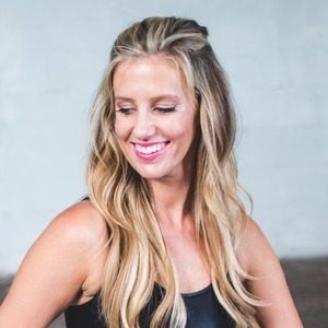 Ashley Kanter's Online Workout Videos on Alo Moves