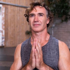 Eoin Finn's Online Workout Videos on Alo Moves