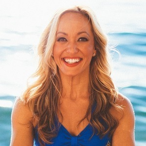 Kino MacGregor's Online Workout Videos on Alo Moves