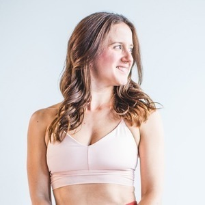MacKenzie Miller's Online Workout Videos on Alo Moves